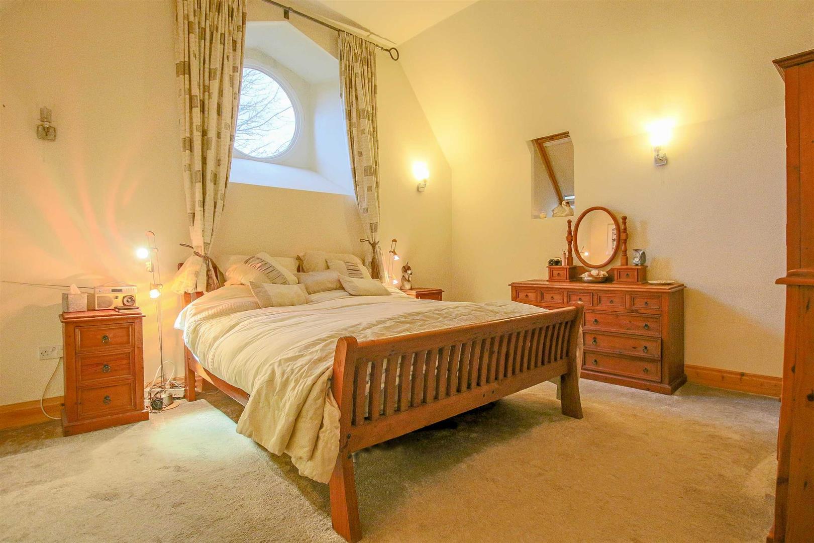 5 Bedroom Detached House For Sale - Image 8